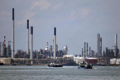 Uma refinaria da Shell em Singapura, em novembro de 2020.