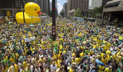 Manifestação pelo impeachment em São Paulo, na avenida Paulista.