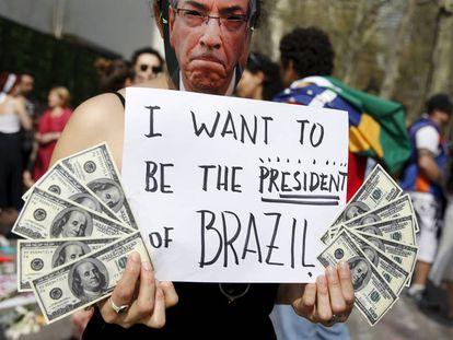Protesto contra Cunha em Nova York, no dia 22 de abril.
