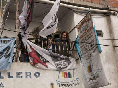 A ex-presidenta Cristina Kirchner inaugura um estúdio de televisão em Villa 31