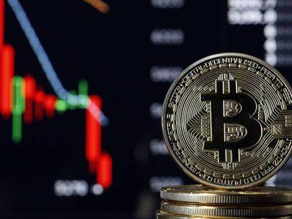 O colapso do bitcoin aumenta medo de estouro da bolha das criptomoedas