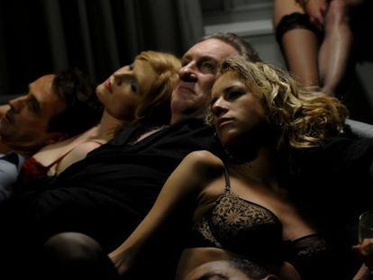 O ator Gérard Depardieu em uma cena de 'Welcome to New York', de Abel Ferrara.