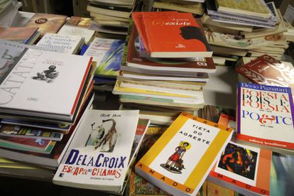 Volumes da Campanha de Doações de Livros para Casas de Leitura e Tubotecas de Curitiba.