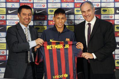 Bartomeu e Zubizarreta, na apresentação de Neymar.