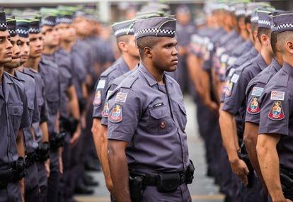 Formatura de soldados da Polícia Militar de São Paulo.