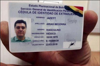 A identidade falsa boliviana do número dois do cartel de Jalisco, José González Valencia.