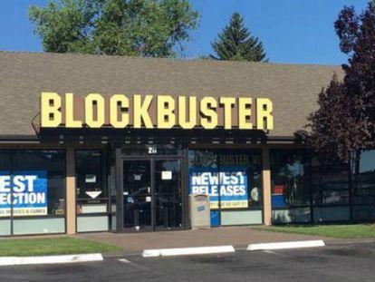 Fachada da última loja Blockbuster que continua aberta ao público.