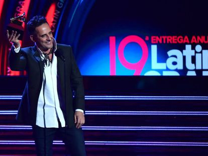 O cantor e compositor uruguaio Jorge Drexler no Grammy Latino.