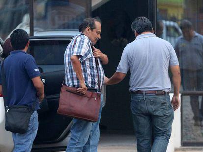 O diretor geral da Lamia ao ser detido por determinação da Promotoria.