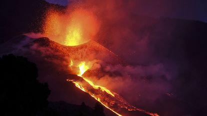 Cratera do vulcão de La Palma.