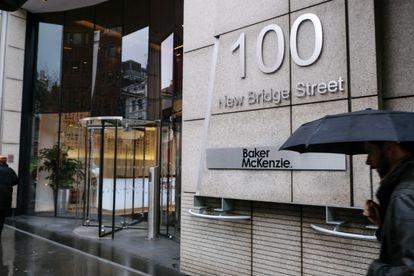 Fachada da sede de Baker McKenzie em Londres.