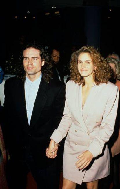 Julia Roberts comparece em 1991 à estreia de 'Rush – Uma Viagem ao Inferno', com Jason Patric. E Sutherland morrendo de ciúmes.
