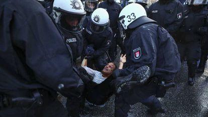Manifestante é preso em protesto contra o G20.