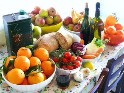 Muita fruta, alguns cereais, azeite e... vinho?