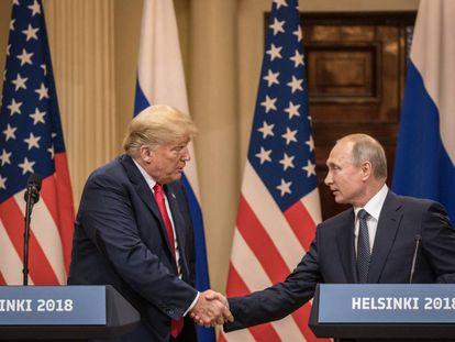 O presidente dos Estados Unidos, Donald Trump, e seu homólogo russo, Vladimir Putin, após a reunião em Helsinque.