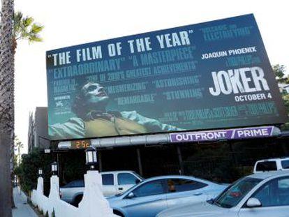 """Parentes de vítimas baleadas em 2012, durante a projeção de 'Batman – O Cavaleiro das Trevas Ressurge', acreditam que novo fime incita a violência. O ator protagonista Joaquin Phoenix diz  """"O filme é um chamado à reflexão social"""""""