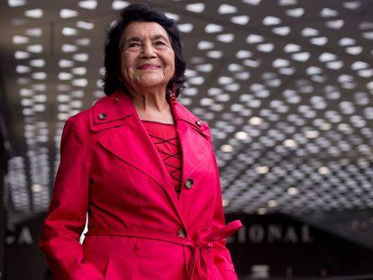 A ativista Dolores Huerta, depois de uma entrevista a EL PAÍS, em 2018 /