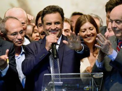 Aécio anuncia apoios ao lado de Alckmin e Serra em Brasília.