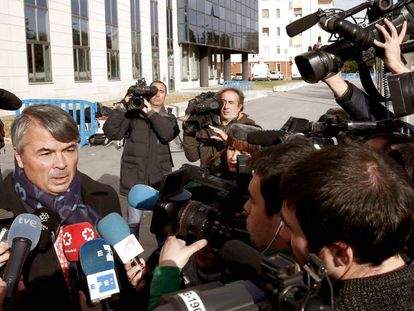 Agustín Martínez, advogado de três dos acusados do estupro.