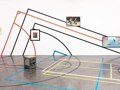 'Limits to Play' (2020) e 'Permutations' (2019), de Céline Condorelli, em exposição na galeria TEA em Santa Cruz de Tenerife, Canárias.