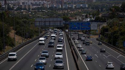 Tráfego na rodovia A-49 na saída de Sevilha, em 1º de julho.