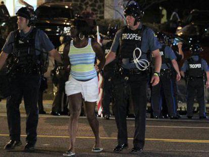 23 detidos na segunda noite de distúrbios em Ferguson