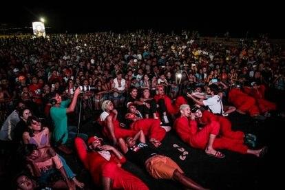 """Exibição da série """"La casa duz vetim"""" na Praia de Iracema, em Fortaleza."""
