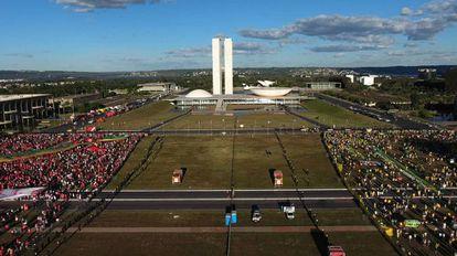Protestos em abril de 2016, em Brasília