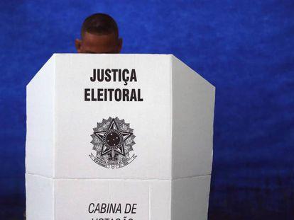 Eleitor vota neste domingo, 28