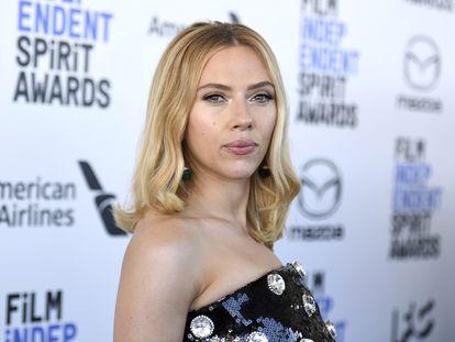 Scarlett Johansson, na cerimônia dos prêmios Independent Spirit, em março de 2020.
