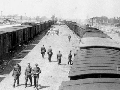 Guardas da SS no campo nazista de Auschwitz.