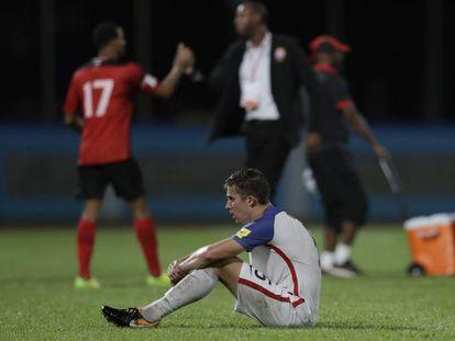 O norte-americano Matt Besler, após a derrota frente a Trinidad e Tobago.