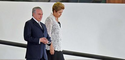 Temer e Dilma no Planalto.