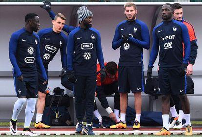 Os jogadores da França, durante um treino.