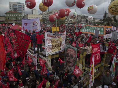 Manifestantes nesta quinta-feira, em São Paulo.