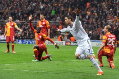 Cristiano, após marcar contra o Galatasaray em Istambul na temporada passada.