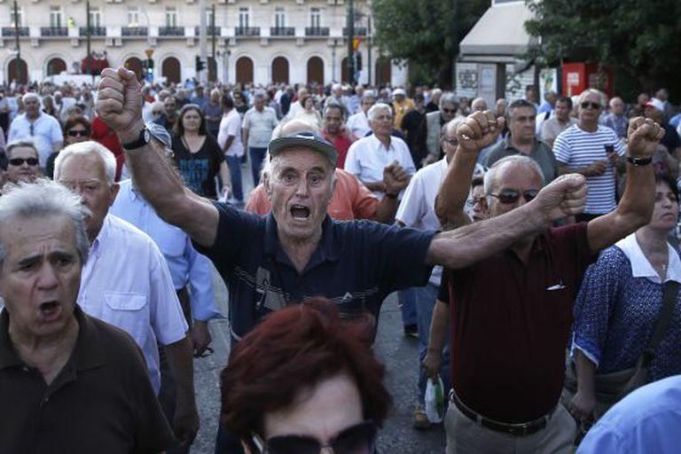 Protesto de aposentados gregos na terça-feira em Atenas.
