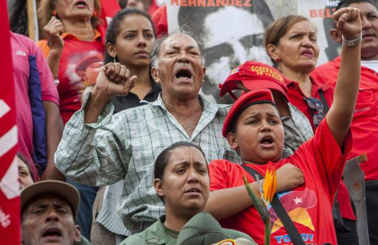 Simpatizantes do chavismo nesta sexta-feira em Caracas.