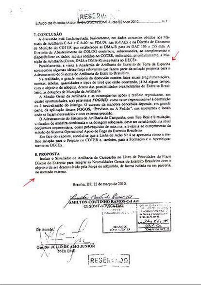 Parte do documento que trata da necessidade de um simulador de artilharia brasileiro, e a menção à visita ao simulador espanhol.