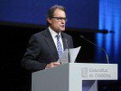 Artur Mas planeja o distanciamento das siglas tradicionais dos partidos políticos e uma candidatura aberta à sociedade