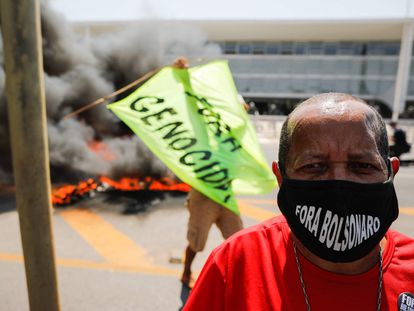 Manifestação de indígenas em frente ao Palácio do Planalto no dia 28.