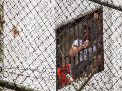 """Leopoldo López grita na prisão: """"Estão me torturando, denunciem!"""""""
