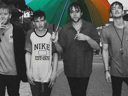 Os quatro integrantes da Viola Beach, na capa do álbum 'Swings and Waterslides'.