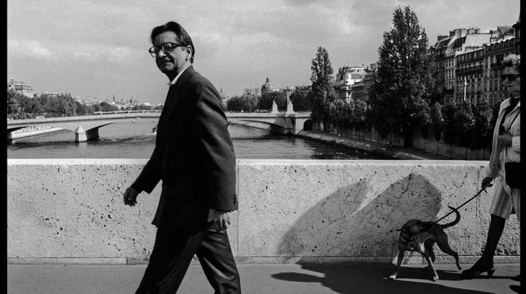 V. S. Naipaul, em 1992 em Paris.