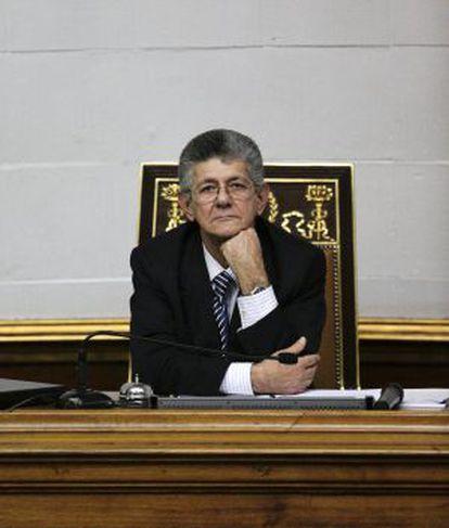 Henry Ramos Allup na Assembleia venezuelana, em 6 de janeiro.