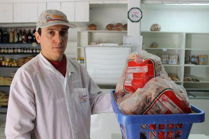 Gilberto Giombelli, produtor de frangos.