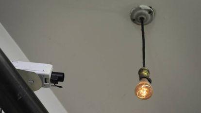 A lâmpada acesa mais antiga do mundo, numa central dos Bombeiros de Livermore, na Califórnia