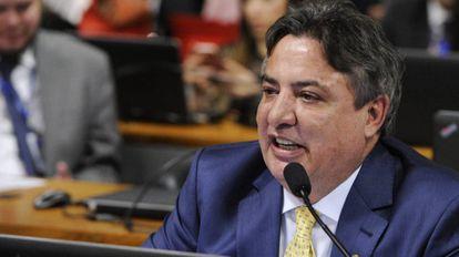 Foram encontrados 445 quilos de cocaína no helicóptero do cartola do Cruzeiro Esporte Clube e senador Zezé Perrella (MDB-MG).