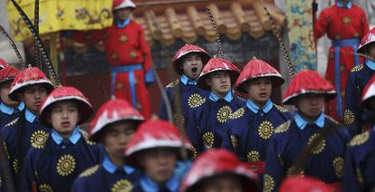 Ensaio para as celebrações do Galo de Fogo em Pequim.