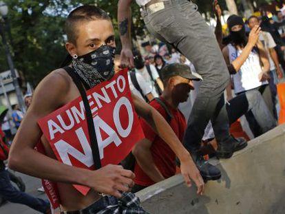 Manifestante durante protesto na última sexta-feira.